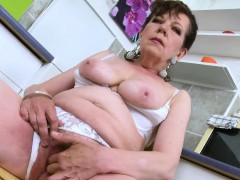 europemature-horny-mature-seductive-solo-action
