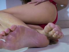 bikini-ladyboy-toe-teasing-with-her-hot-feet