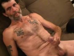 mature-amateur-robby-beats-off