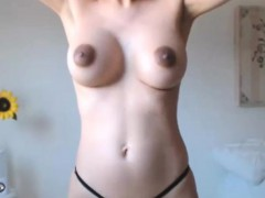 Hot Sexy Nice Tits Model Like To Squirting