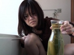kinky-asian-collects-pee