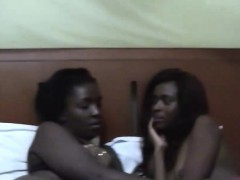 two-slutty-amateur-ebony-chicks-lick-each-other-vaginas-in