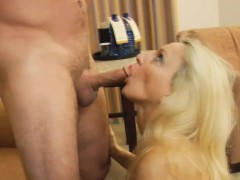 Milf cala cocks sucks on vacation
