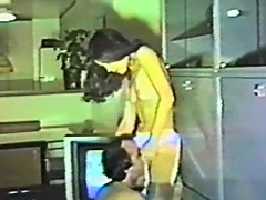 Amateur Girl Toying Her Hairy Pussy PornoShok-dir