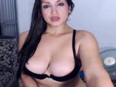 awesome-wild-shemale-stroke-her-cock-hard