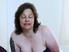 europemature-busty-curvy-mature-toy-masturbation