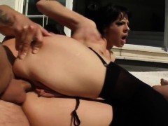 liz-gets-anal-sex-perfect-gonzo-style-by-ass-traffic