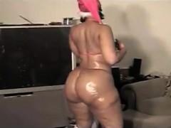 amateur-bbw-ebony-dildoing-her-wet-pussy