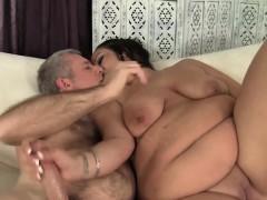 brunette-fatty-aire-fresco-loves-fat-dick