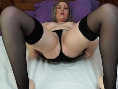 hot-european-mom-loves-playing-in-bed