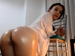 big-ass-brunette-loves-to-masturbate-with-dildo