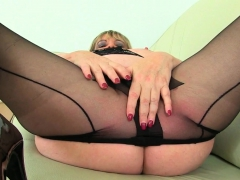 english-mums-in-tights-jayne-scorpio-and-alisha