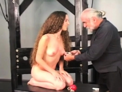 Older Likes Bizarre Thraldom Scenes To Stimulate Her Cunt