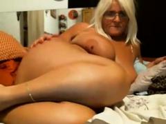 sexy-amateur-bbw-granny-shows-off
