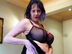 europemature-lonely-lady-solo-masturbation-video