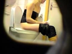 blonde-amateur-teen-toilet-pussy-ass-hidden-spy-cam-voyeur-7