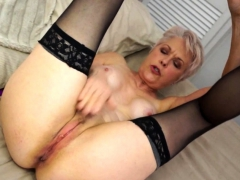 british-mature-lady-playing-with-herself