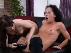 innocent nympho is geeting peed on and ejaculates wet pussy3 – Free XXX Lesbian Iphone
