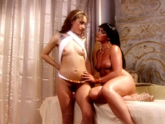 Cleopatra Gets Head From A Slave Gal