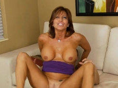 mature-yearns-for-hardcore-cleft-stimulation-and-pounding