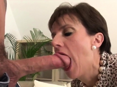 Cheating English Milf Lady Sonia Unveils Her Huge Tits40pdr