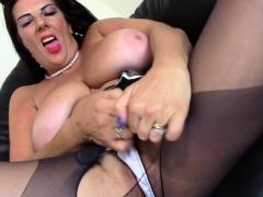 British Big Breasted Temptress Lulu Fingering Herself
