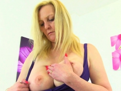 english milf fiona is built for pleasure PornBookPro