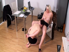 bizarrlady jessica order slaves to lick her muffin