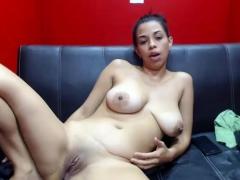 curvy-girl-with-big-natural-boobs-masturbates-on-webcam