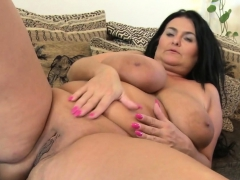 brunette-bbw-knows-how-to-use-toys