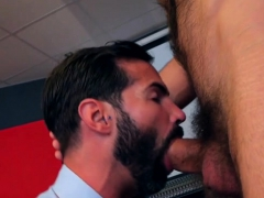 muscle-gay-fetish-with-facial