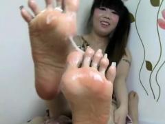 Sharon Lee Asian foot fetish pornstar in stockings fucks