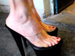 public-foot-fetish