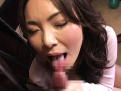 aged chick spreads wide and gets bushy cunt licked hard