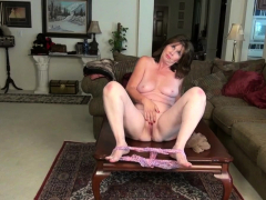 american-gilf-kelli-starts-toying-her-hairy-pussy