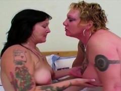 old-tattooed-fat-skanky-lesbians