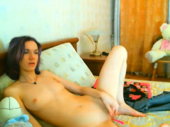 sweet solo girl toys her tight muffin