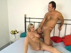 hairy huge boobs milf has sex HD