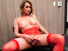 Glamcore Transsexual Beauty Cums In Stockings