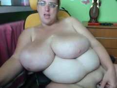 fat-babe-with-huge-tits-having-fun