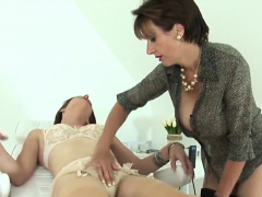 unfaithful-english-milf-lady-sonia-displays-her-enorm04rfv