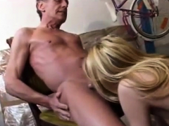 young-blonde-gives-blowjob-and-titjob-to-old-guy