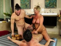 mature cougar masseuse