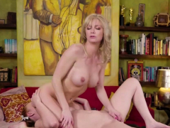 Lustful babes Marie and Serene tasting ones pussies