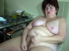 fat-granny-in-threesome