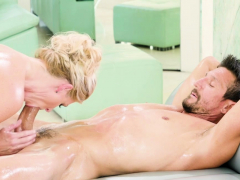 big-cock-client-experienced-hot-massage-by-a-mature