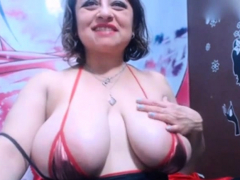 colombian-woman-showing-pussy-in-fron-webcam
