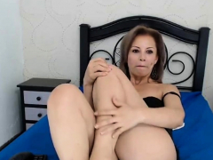 colombian-milf-sexy-soles