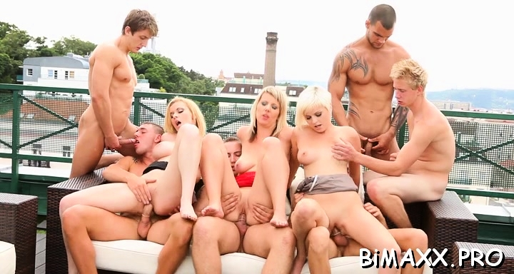 Teen relaxes with twi bi-sexual boys in threesome