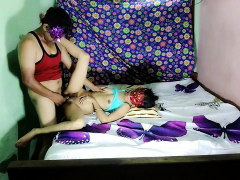 very-hot-indian-desi-sexy-bhabhi-acting-as-young-girl